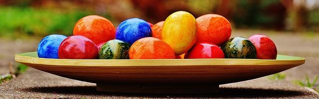 tác s velikonočními vajíčky